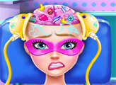 Игра Супер Барби на операции