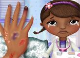 Игра Доктор Плюшева - раненая рука