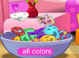 Игра София моет и стирает вещи