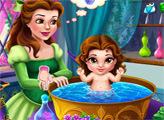 Игра Белль купает дочурку