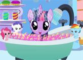 Игра Сумеречная Искорка принимает ванну