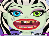 Игра Малышка монстр у дантиста