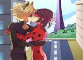 Игра Леди Баг и Супер-Кот целуются
